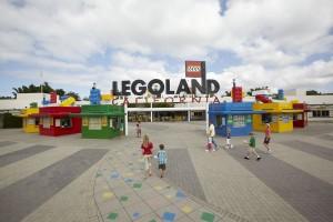 LEGOLAND_California_main_entrance